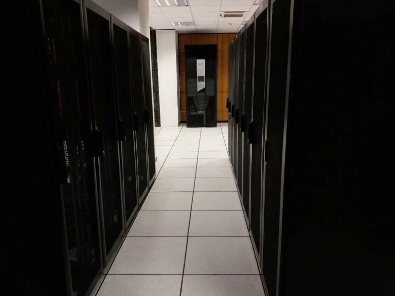 科士达UPS 40多套40kva -400kva UPS在阿尔及利亚 安装调试完毕